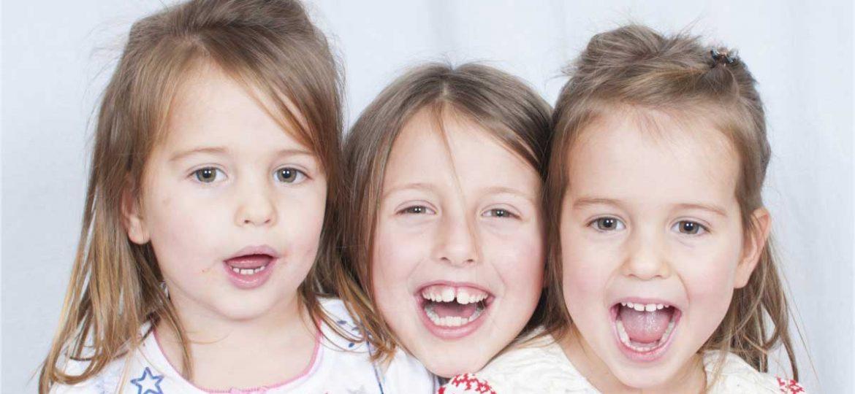 niños-cepllado-dientes